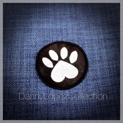 Paw  Iron On Patches | embroidered/bordado
